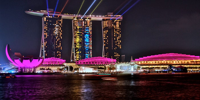 This image has an empty alt attribute; its file name is marina-bay-sands-singapore-1.jpg